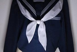 セーラー服のスカーフが可愛く結ぼう