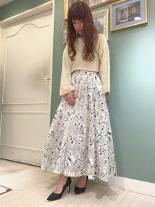 春色スカートが主役のコーデ♡