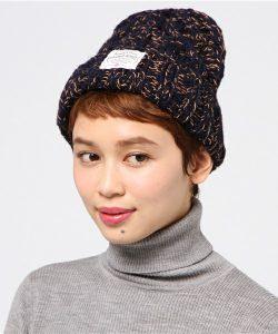 手編みで作られたウールコットンのニット帽!ショートヘアの子は柄ありニット帽を