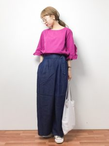 思い切って春に着たいピンクのトップスとワイドパンツの着やせコーデ!