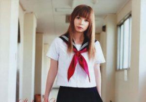 セーラー服で1番ポピュラーのがスカーフ!中川翔子