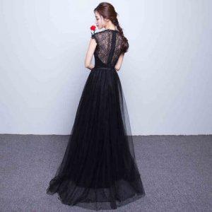 イブニングドレスとロングドレスは同じもの?