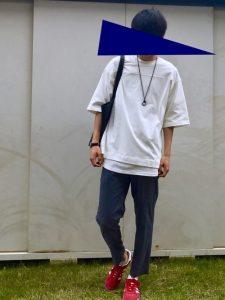 白Tシャツのレイヤードが上級者なメンズコーデ!
