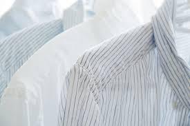 リネン・麻生地のシャツやパンツのシワはどうしたらいいの?