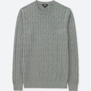 去年人気だったケーブルクールネックセーターをアップデートしてよりメンズらしく!