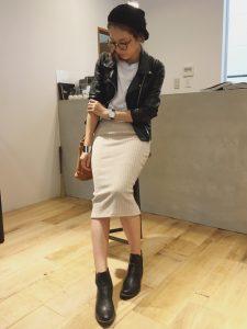 リブタイトスカートとジャケットのコーデ!