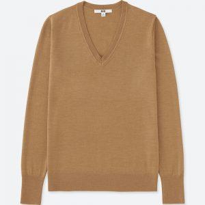 ユニクロの繊細な風合いと美しい光沢感のある上質ウールで作ったエクストラファインメリノVネックセーター!