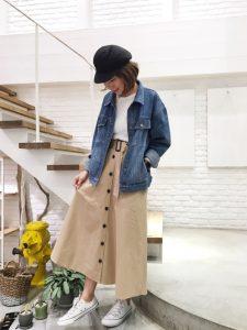 トレンチスカートとデニムジャケットのカジュアル春コーデ!